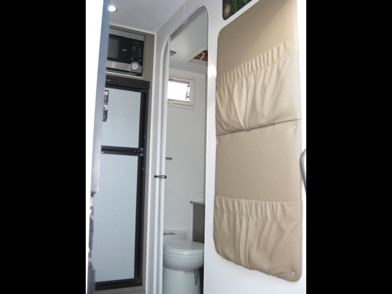 new age oz classic 22ft ensuite 306014 013