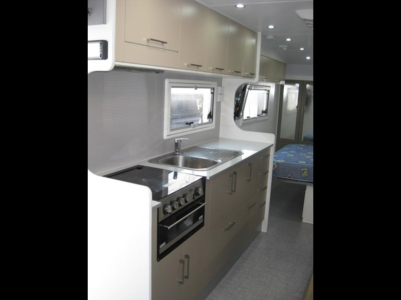 new age oz classic 22ft ensuite 306014 021