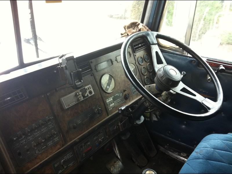 1988 Kenworth T600 Dismantling