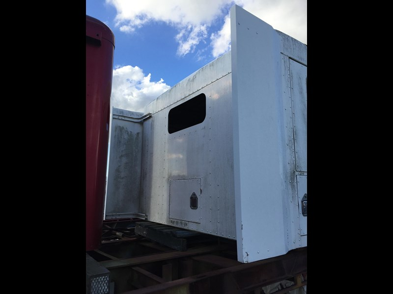 "kenworth t600 sleeper 36"" flat top 310924 013"