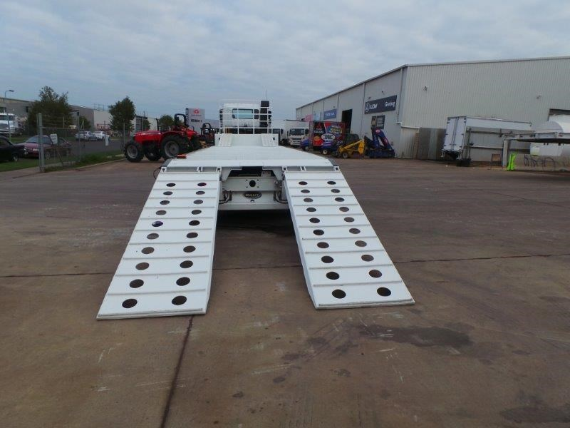 bullet drop deck trailer 311349 025