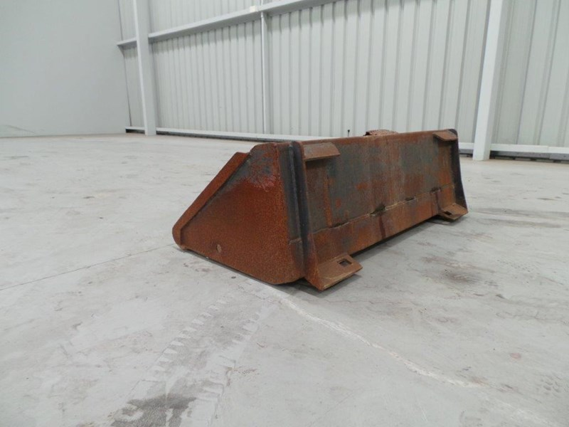 workmate skid steer gp bucket 312953 003