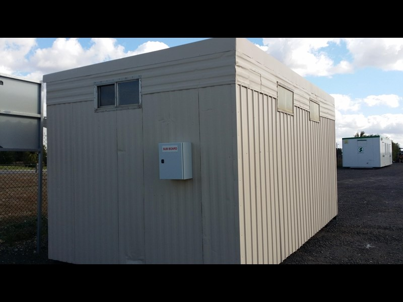 mcgregor 5.5m x 3.3m  toilet block 313378 001