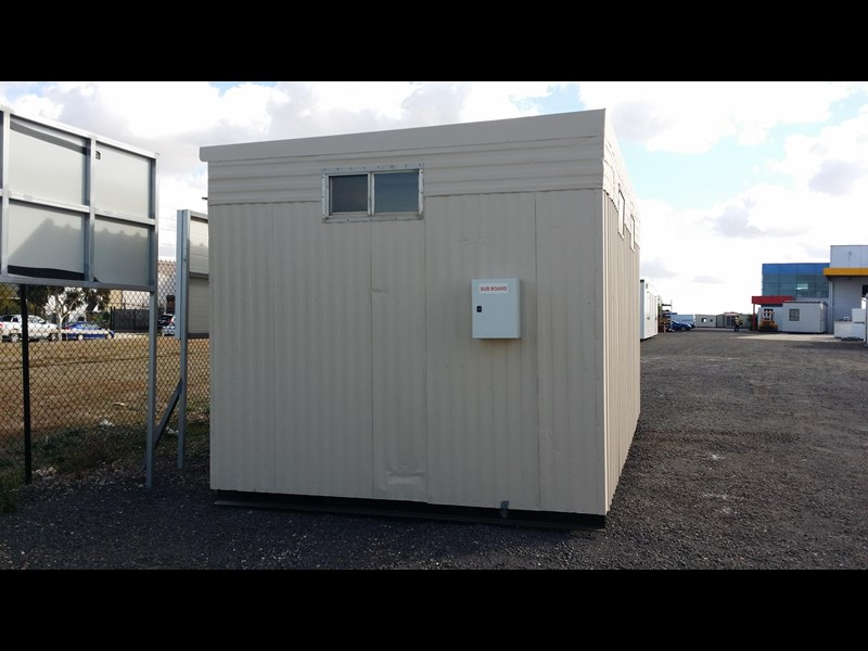 mcgregor 5.5m x 3.3m  toilet block 313378 003