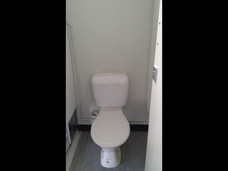 mcgregor 5.5m x 3.3m  toilet block 313378 013