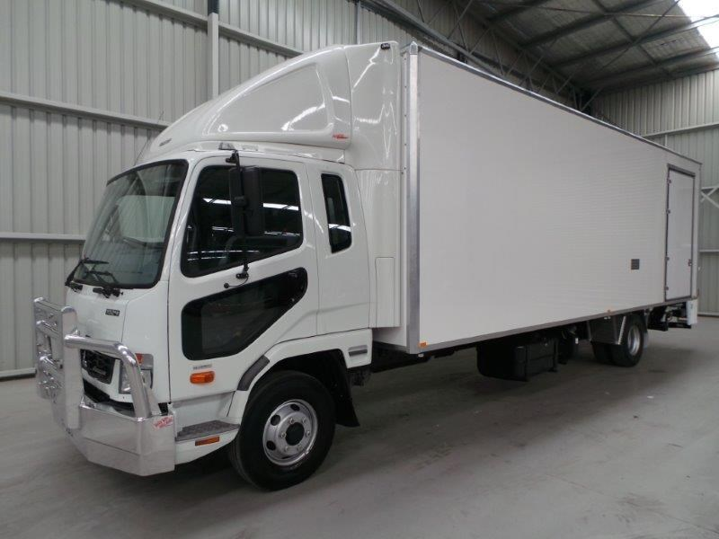 fuso fighter 1024 315334 001