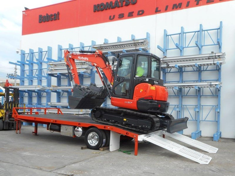 kubota 11 ton single axle 5m tag trailer combo with kubota kx-57/u57 5.5 ton excavator [machexc] [attrail] [mcombo] 318321 001