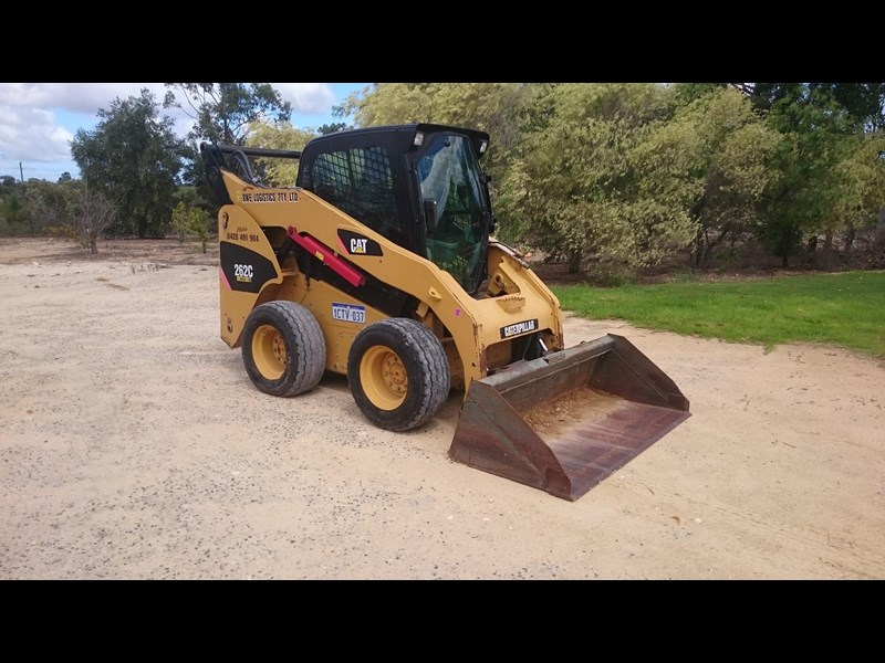 caterpillar 262c skid steer loader 318601 001