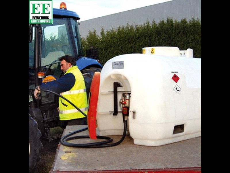 tuff tank 600 ltr steel diesel tanks and pumps 321282 049
