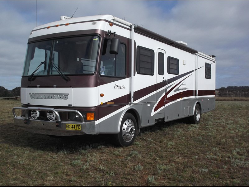 winnebago (avida) classic 36ft 322796 001