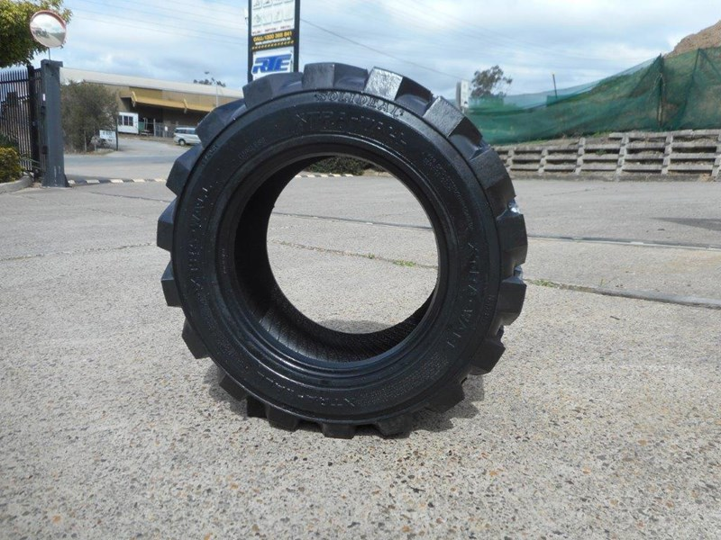 rhino 10-16.5 skid steer loader spare tyres - 10ply xtra side walls [heavy duty] [20kg] suit bobcats loaders [atttyre] 326254 023