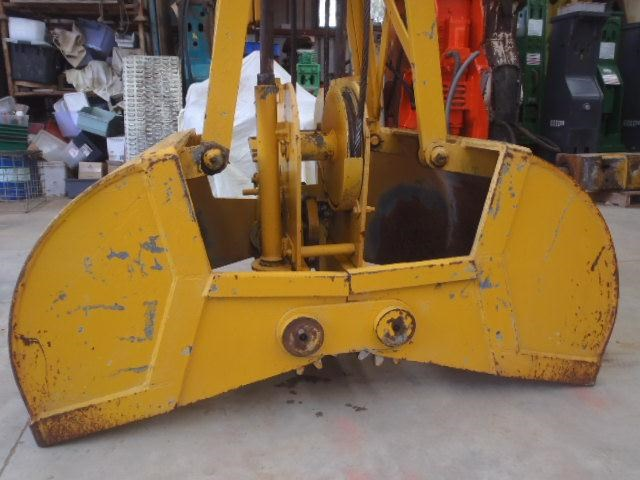 custom chain operated clamshell bucket 323729 013