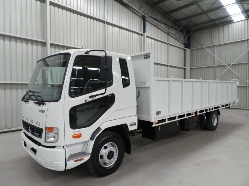 fuso fighter 1024 323567 029