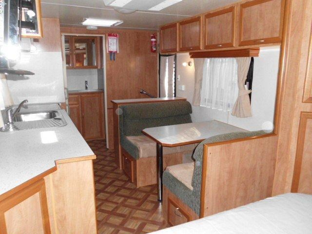 retreat caravans brampton 325097 001