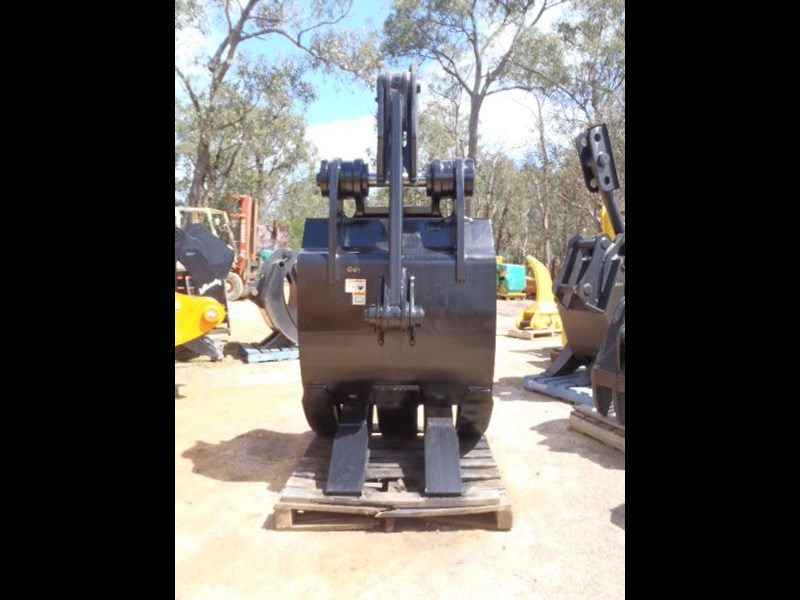caterpillar 25-30 ton 326365 011