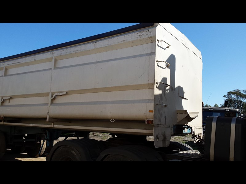 howard porter 1989 tipper 329682 005