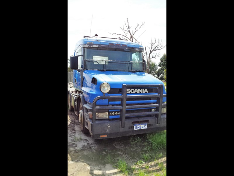 scania t144 329167 005