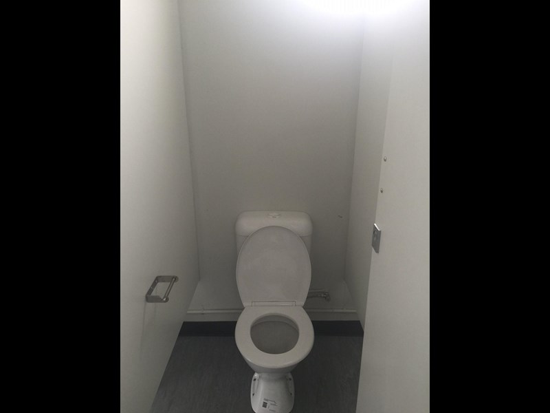 mcgregor 5.5m x 3.3m  toilet block 313378 025