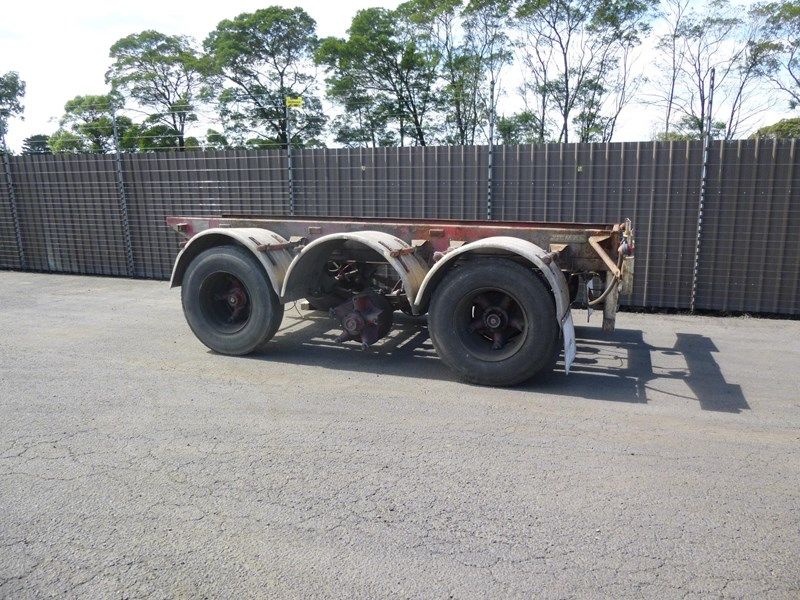 unknown tri axle trailer 330013 003
