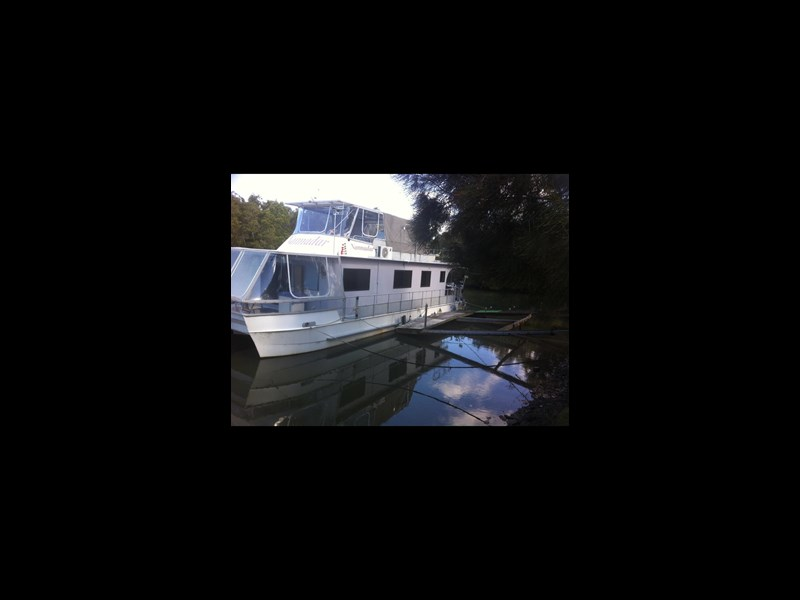 eagle catamarans house boat 331142 001