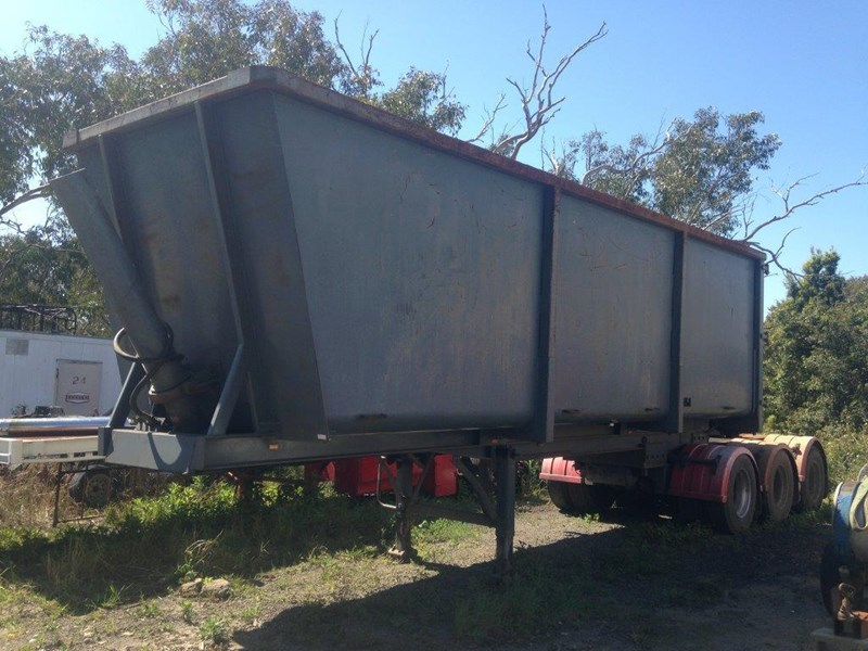 sorim tipping a trailer 332320 001