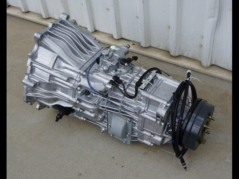 mitsubishi rosa 6 speed manual gearbox 333180 003
