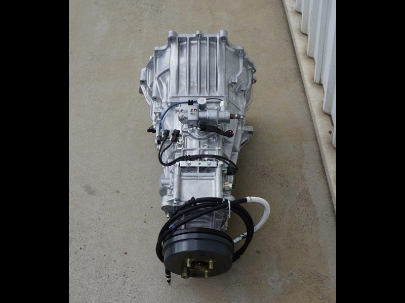 mitsubishi rosa 6 speed manual gearbox 333180 011