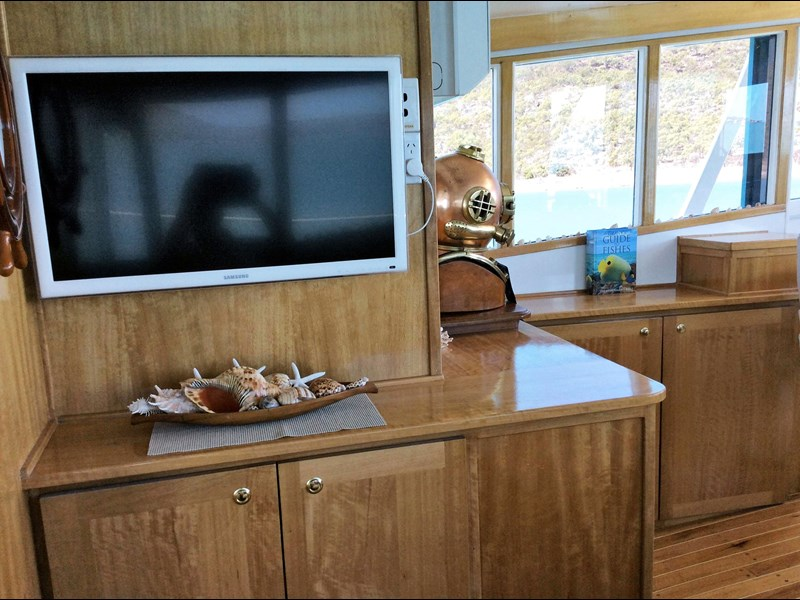 long range liveaboard cruiser 55ft 334744 037