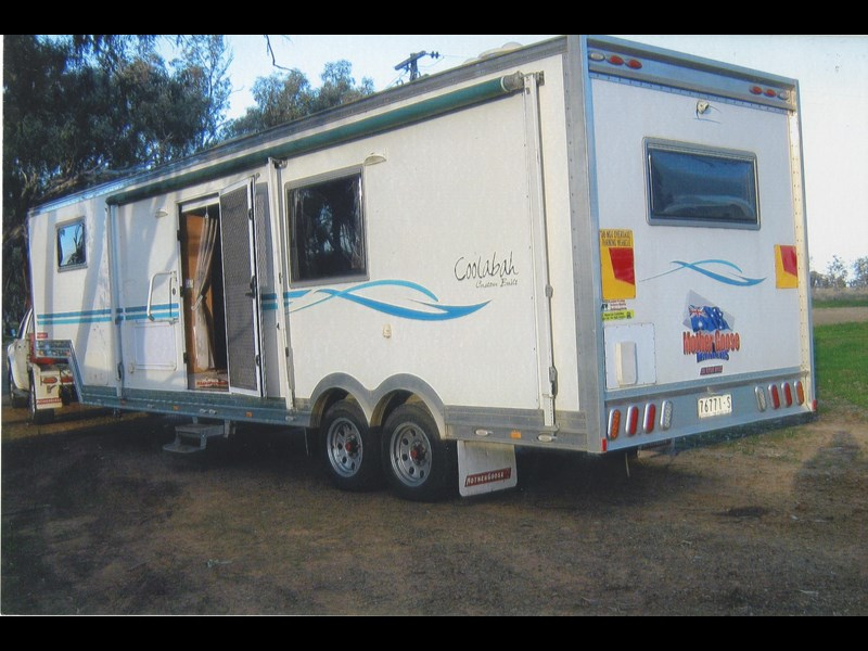 custom built mother goose trailers 2010 5th wheeler & 2006 navara 335380 009