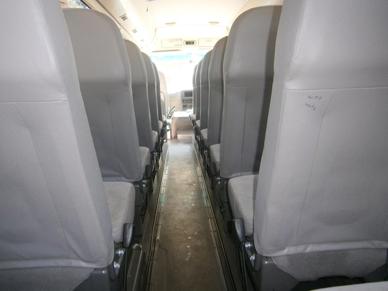 mitsubishi rosa mini coach, 2011 model 335403 009