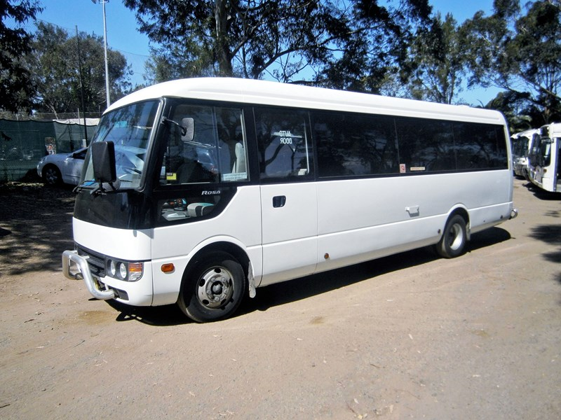 mitsubishi rosa mini coach, 2011 model 335403 001