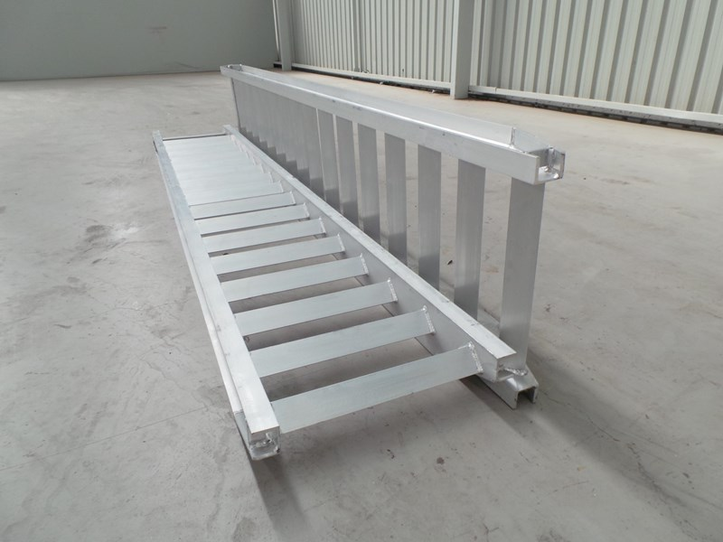 workmate 8 ton alloy loading ramps 10083 007