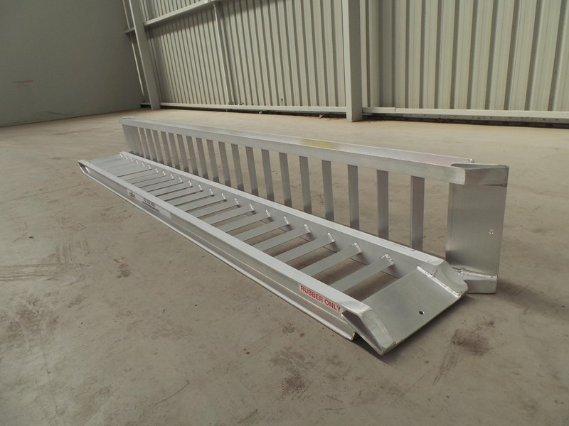 workmate 3 ton alloy loading ramps 10082 005