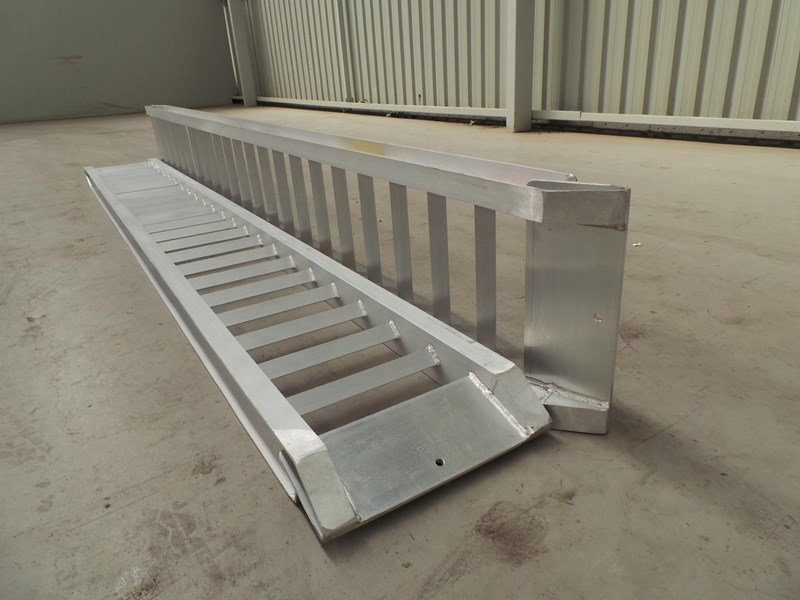 workmate 3 ton alloy loading ramps 10082 007