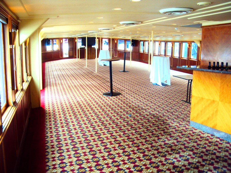 ship / ferry / floating restaurant 337935 015