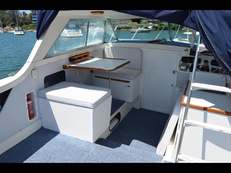 bertram 25 flybridge 338000 017