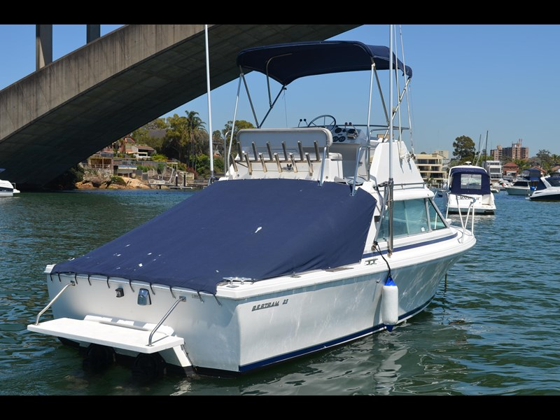 bertram 25 flybridge 338000 007