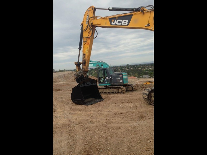 australian bucket supplies skeleton bucket fitted w/ boe to suit 3-4t excavators 316883 029