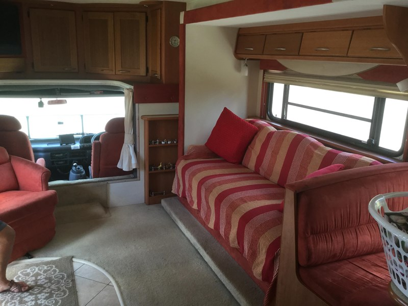 winnebago (avida) alpine 343911 005