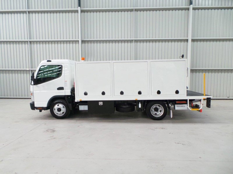 fuso canter 515 wide cab 345858 003