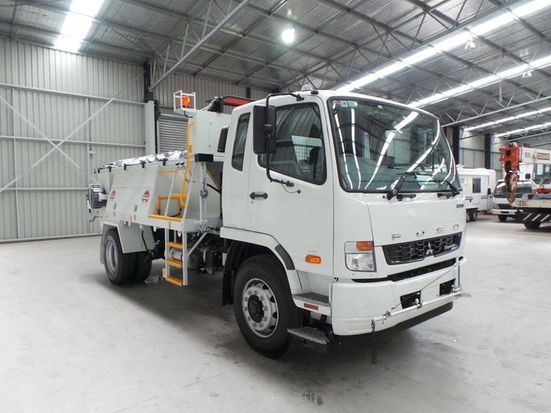 fuso fighter 1627 345807 011