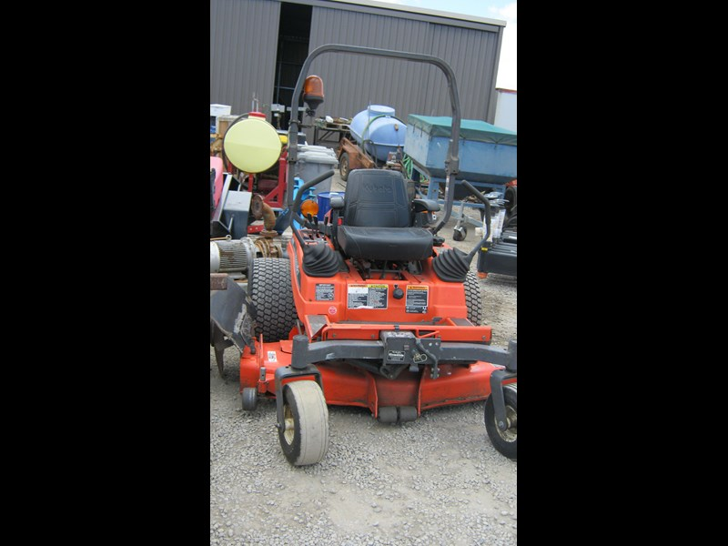 kubota zd21 ride on mower (2 of) 343968 011