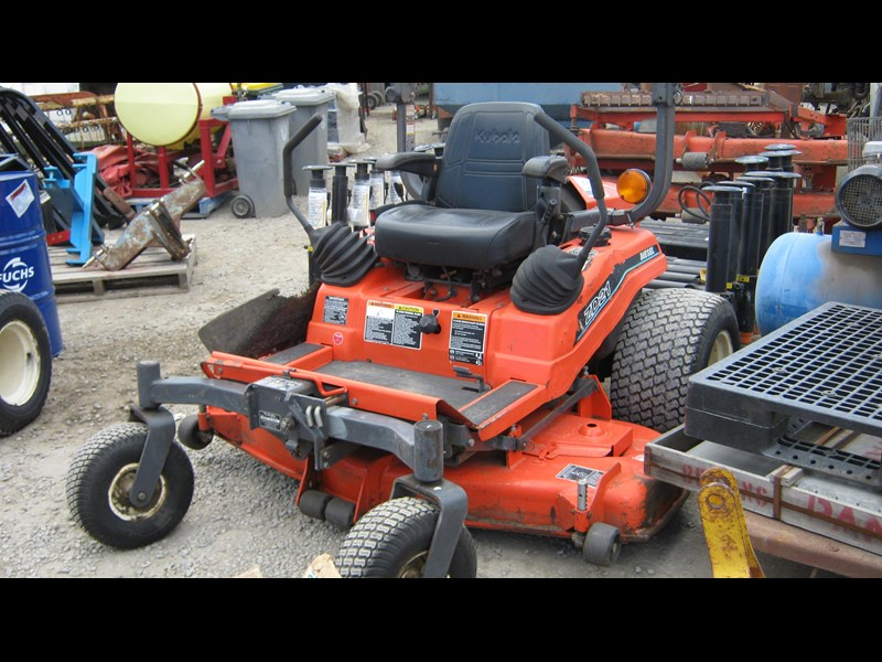 kubota zd21 ride on mower (2 of) 343968 015