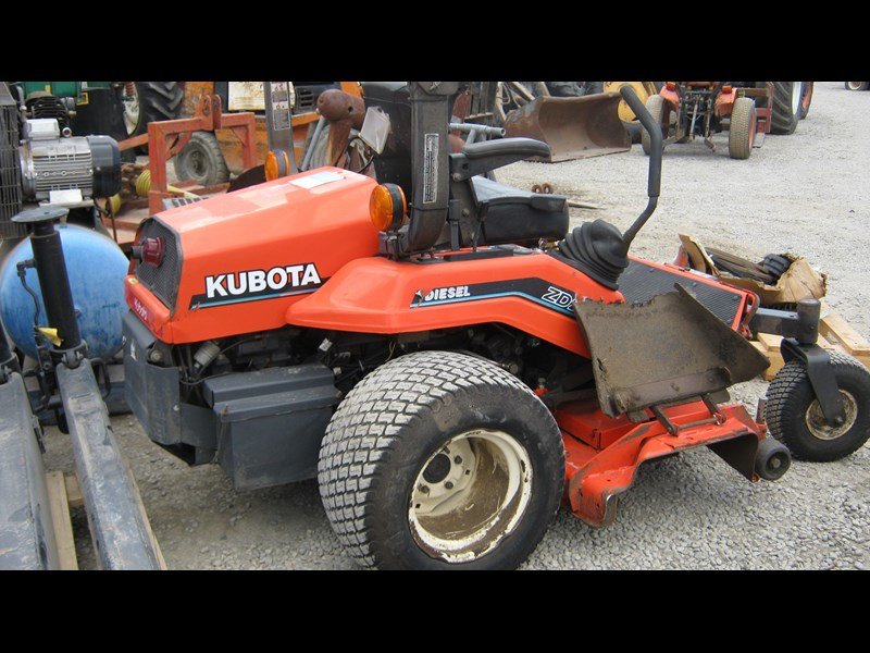kubota zd21 ride on mower (2 of) 343968 019