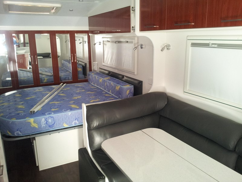 new age oz classic 22ft ensuite 349354 029