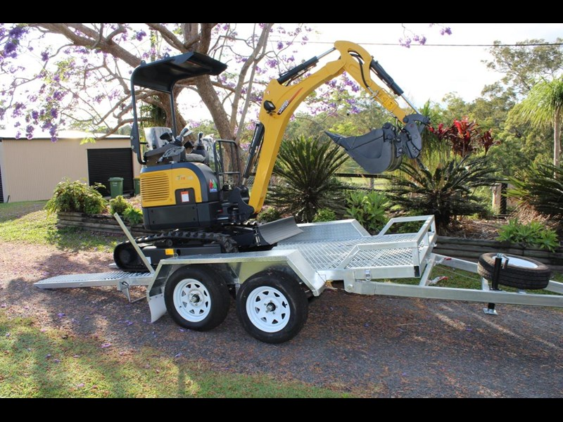 carter yanmar powered zero swing with plant trailer 349558 011