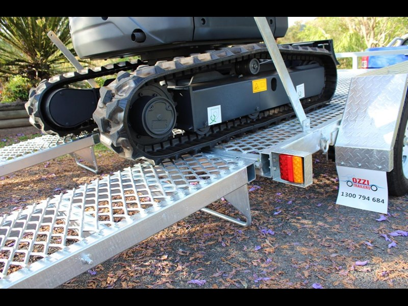 carter yanmar powered zero swing with plant trailer 349558 015