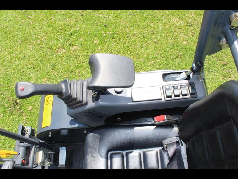 carter ct16 yanmar powered mini excavator zero swing 349469 033