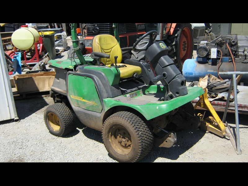 john deere wrecking john deere 1445 front deck mowers (2 of) 351960 001