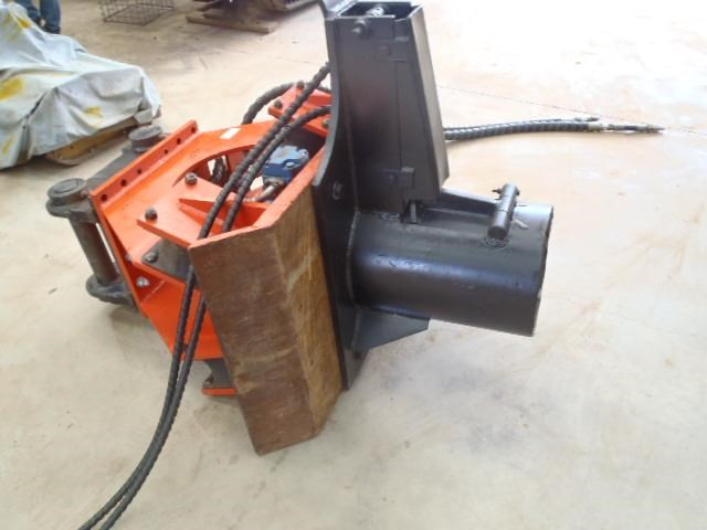pneuvibe hire - cp300 pile driver 351957 007